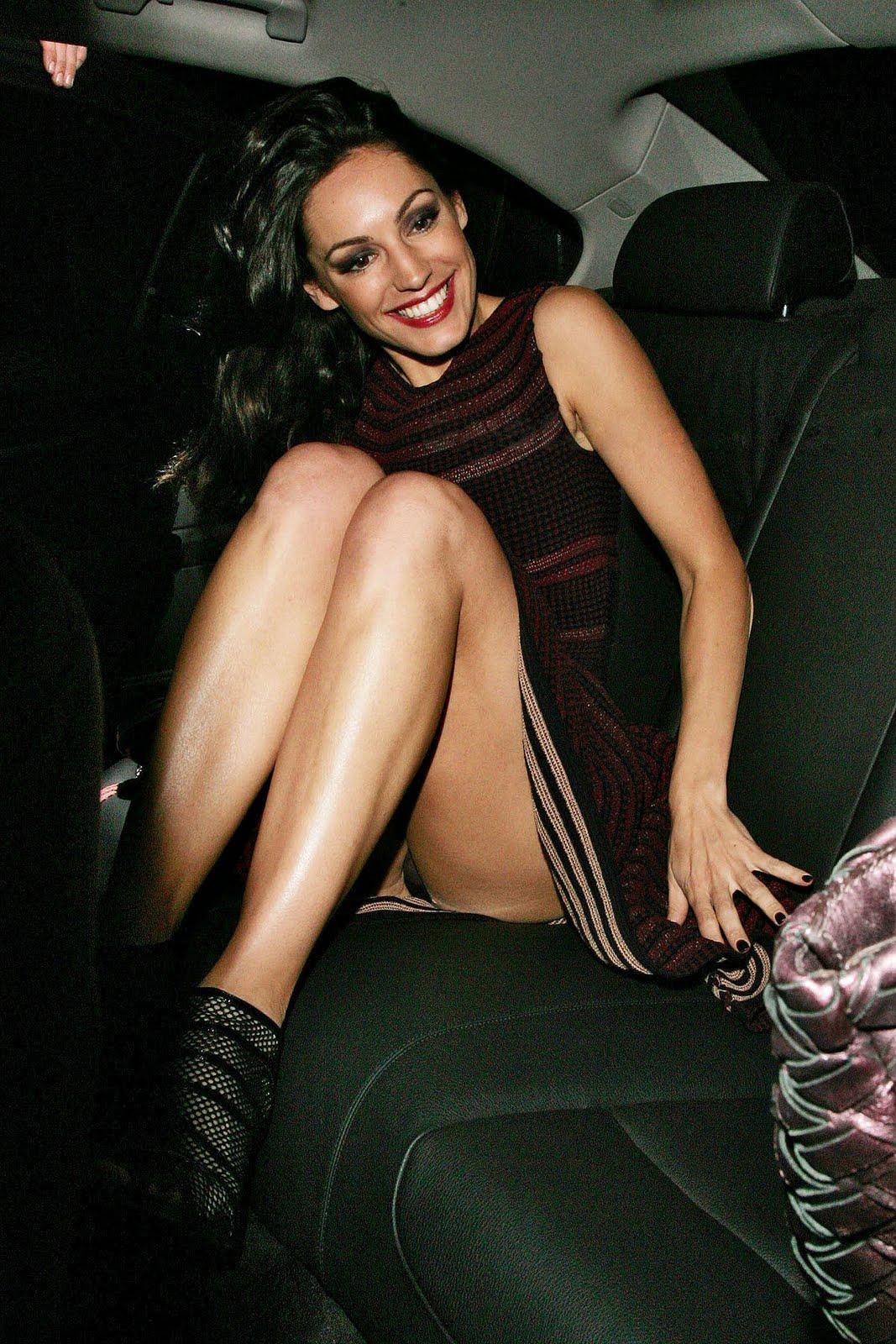 GtKELLY BROOK BIKINI UPSKIRT Celebrity Fashionista