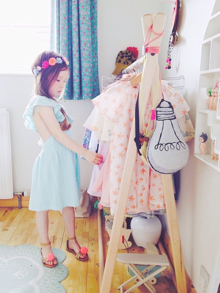 Q & A:  My Tween Daughter and I Don't Agree on Clothing Styles