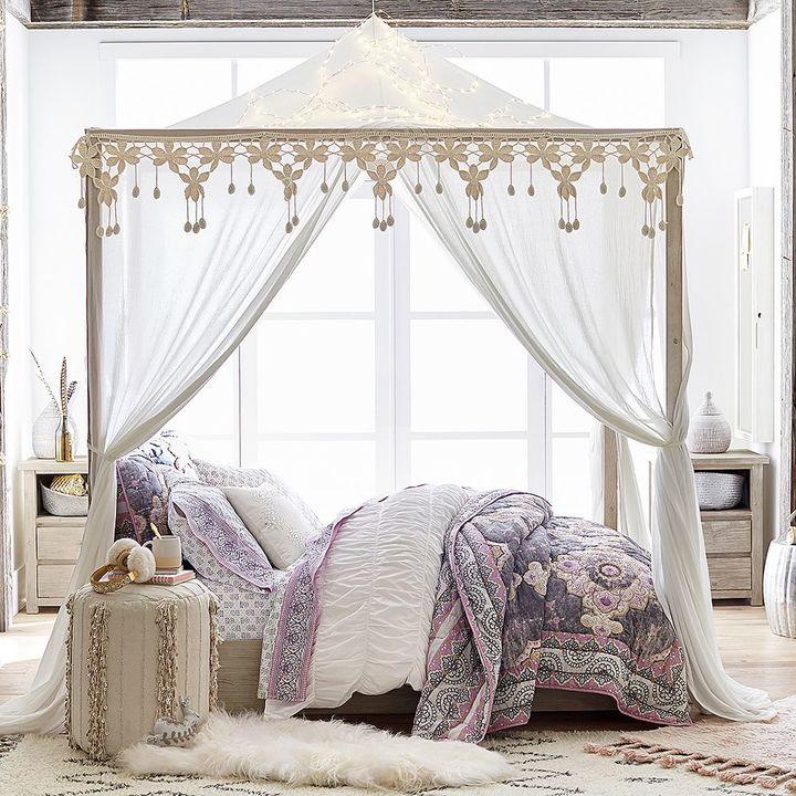 13 Must-Have Teen Bedroom Decor Items