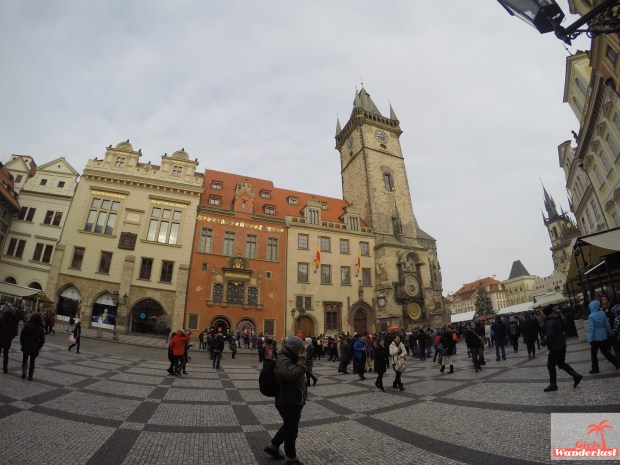 Girlswanderlust - 3 Days in Prague – The ultimate 3-day itinerary. Old town square.jpg