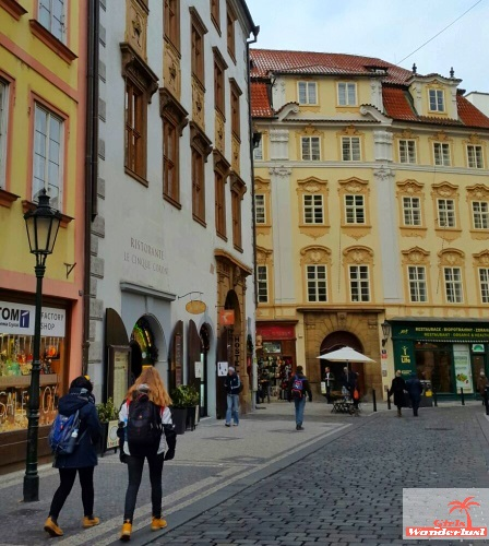 girlswanderlust-3-days-in-prague-the-ultimate-3-day-itinerary-old-town