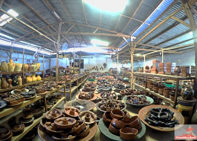 Cultural day trip itinerary from #Senggigi to #Mataram and suburb #Ampenan in #Lombok, #Indonesia by @Girlswanderlust. #Banyumulek #pottery #Girlswanderlust #travel #wanderlust #asia