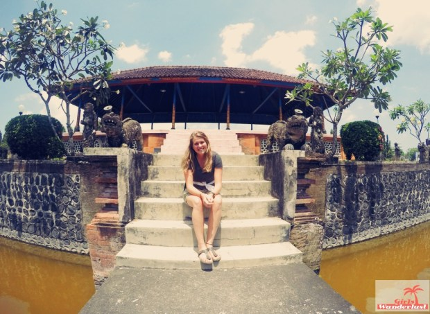 Cultural day trip itinerary from #Senggigi to #Mataram and suburb #Ampenan in #Lombok, #Indonesia by @Girlswanderlust. #Pura #Taman #Mayura #Waterpalace #Girlswanderlust #travel #wanderlust #asia.jpg