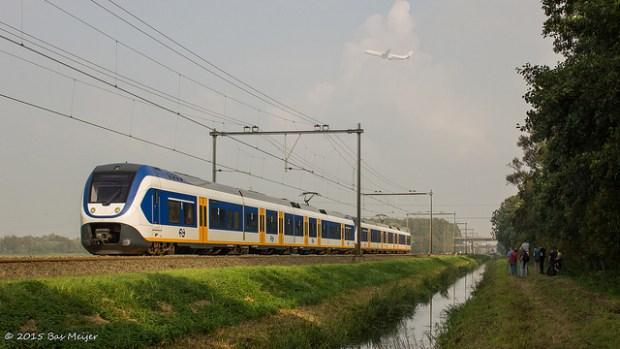 Haarlemmerliede, NS Reizigers 2462 & 2409.