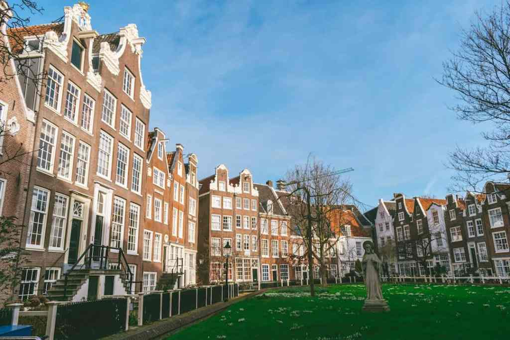 Girls Who Travel | Visiting Amsterdam Like a Local