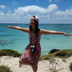 Author Samiha poses on the beach | Girls Who Travel