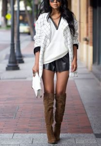 Tee With Hoodie And Brown Boots