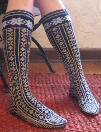 medium_norwegian_stockings_finished2.jpg