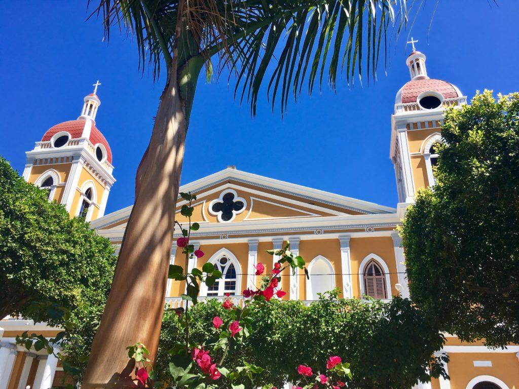 Granada, Nicaragua, Yellow Cathedral, Women in Nicaragua