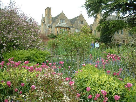 Best Bed & Breakfasts in the Cotswolds, Hidcote Manor Garden
