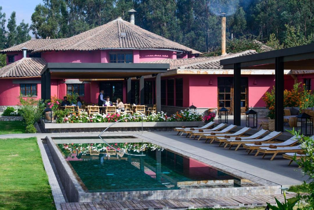 Where Did Arie the Bachelor Stay in Peru? Sol Y Luna Pool
