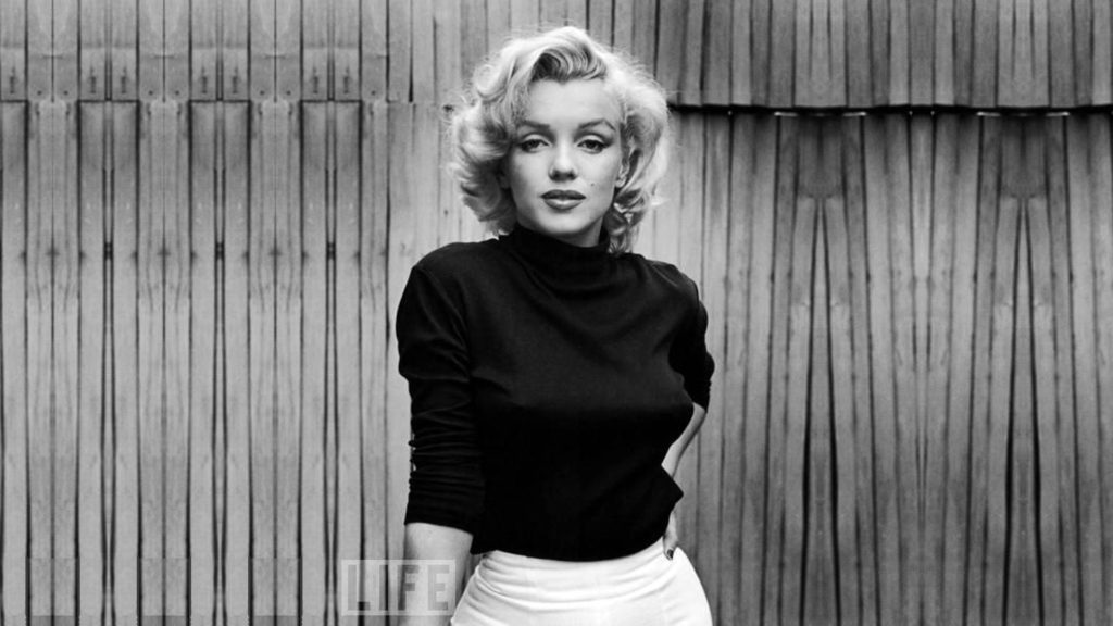 What Really Happened to Marilyn Monroe? Girl Who Travels the World, Marilyn