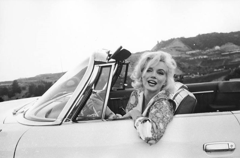 The Last Months of Marilyn Monroe's Life, Girl Who Travels the World, Marilyn Cosmo