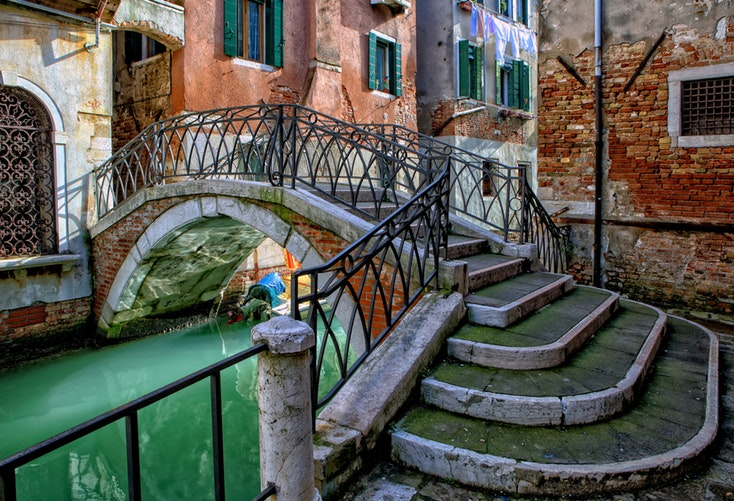 20 Photos to Inspire Your Italy Travels, Girl Who Travels the World, Venice Bridge