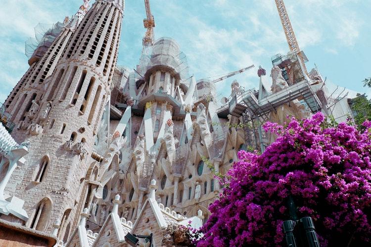 Ultimate Girl's Guide to Spain Travel, Girl Who Travels the World, Barcelona, La Sagrada Familia