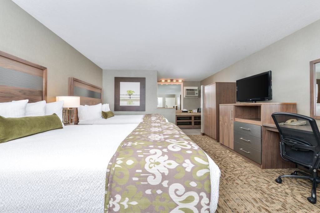 Best Hotels in Walking Distance to Disneyland, Girl Who Travels the World, Best Western Plus