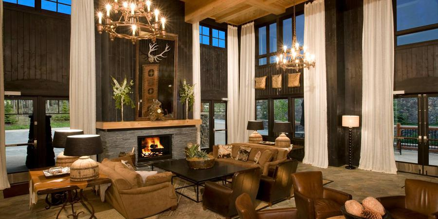 Best Ski-in Ski-Out Hotels in Breckenridge, Girl Who Travels the World, Blue Sky