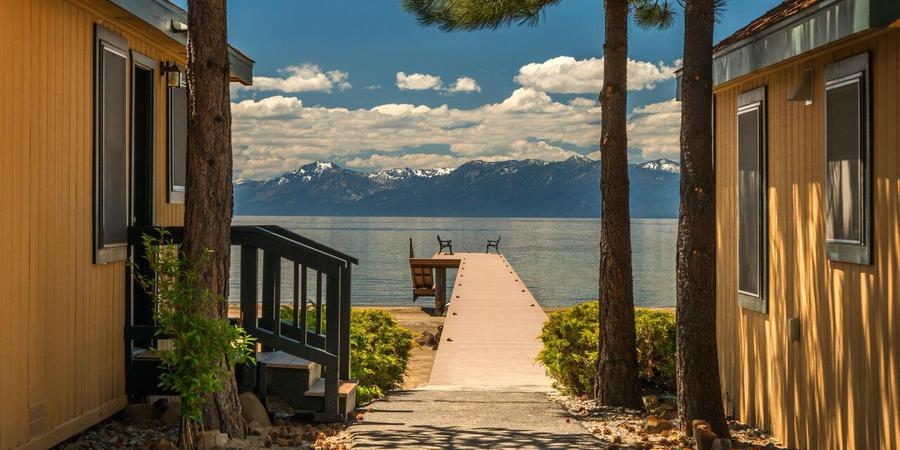 Best Lakefront Hotels in North Lake Tahoe, Girl Who Travels the World, Franciscan Lodge