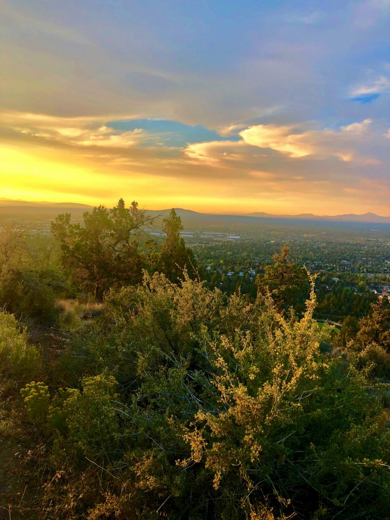 Guide to a Perfect 3-Day Weekend in Bend, Oregon, Girl Who Travels the World, Bend Sunset