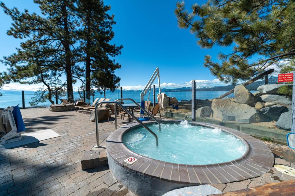 Best Lakefront Hotels in North Lake Tahoe, Girl Who Travels the World, Red Wolf Lodge
