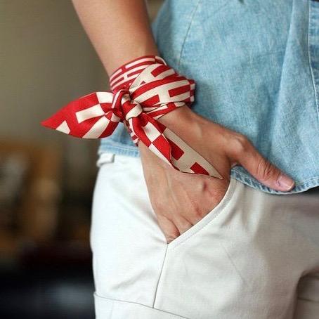 4 Ways To Style A Scarf This Season including around the wrist via @GirlWithCurves