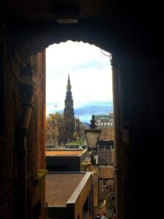 When you tour Edinburgh Scotland in 4 days, make sure you include the Royal Mile on your Edinburgh Scotland itinerary.