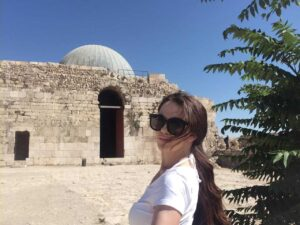Solo female travel in the middle east to the citadel of amman in Jordan.