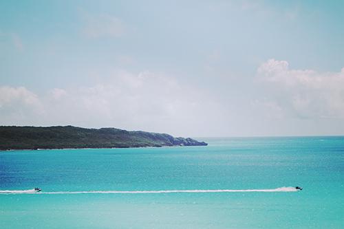 「リゾート」「夏」「海」「空」「船」「花」などがテーマのフリー写真画像