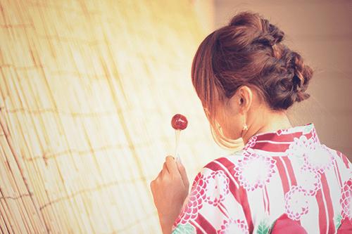 「くるりんぱ」「ヘアスタイル」「和服」「夏」「女性・女の子」「浴衣」「食べ物」などがテーマのフリー写真画像