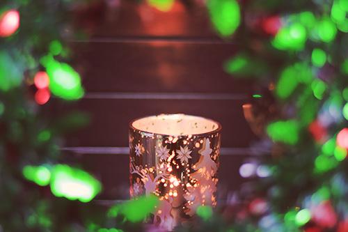 「クリスマスツリー」「クリスマスパーティ」「サンタ」「サンタ帽」「トナカイ」などがテーマのフリー写真画像