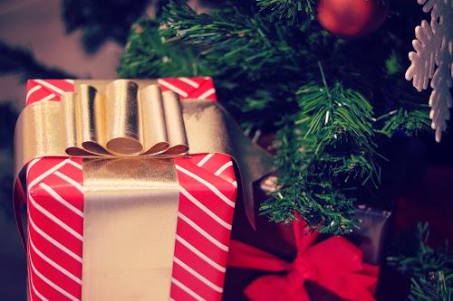 「クリスマスツリー」「プレゼント」などがテーマのフリー写真画像