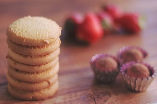 「イチゴ」「お菓子」「チョコ」「ホワイトデー」「食べ物」などがテーマのフリー写真画像