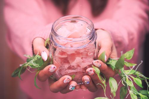 「エイプリルフール」「ガリ」「女性・女の子」「食べ物」などがテーマのフリー写真画像