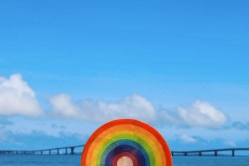 「コースター」「リゾート」「南国」「夏」「宮古島」「来間島」「橋」「沖縄」「海」「空」「虹」「雑貨」「離島」「雲」などがテーマのフリー写真画像