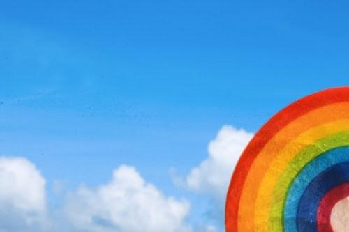 フォトジェニックな写真が撮れる!虹のシェルコースター