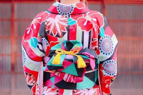 「コーディネート」「和」「女性・女の子」「帯」「着物」「秋」「金沢」などがテーマのフリー写真画像