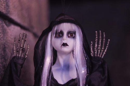「ホラー」「人形」などがテーマのフリー写真画像