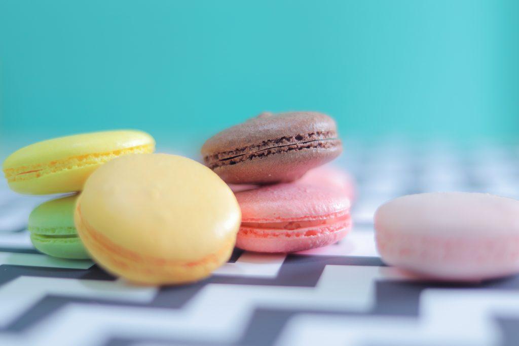 「お菓子」「チョコ」「ハート」「ホワイトデー」「俯瞰撮り」「真上から」「食べ物」などがテーマのフリー写真画像