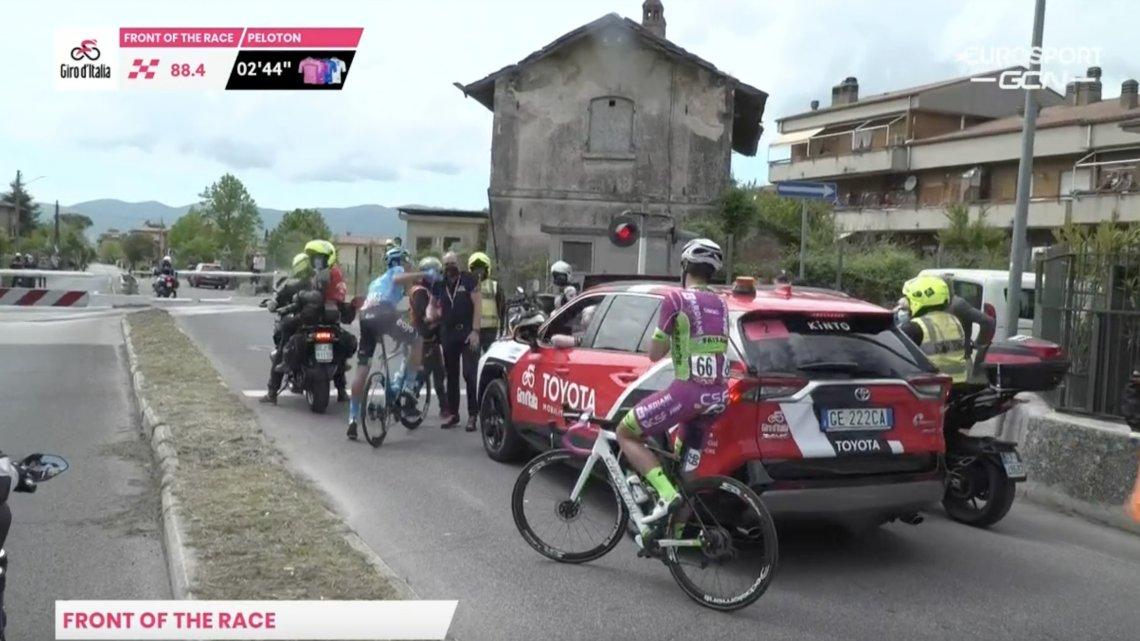 Giro d'Italia. Il treno se ne frega
