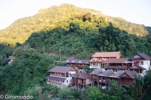 Nong Khiaw (10)-village-bungalow