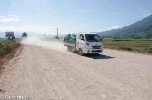Thakhek (41)-dirty-road