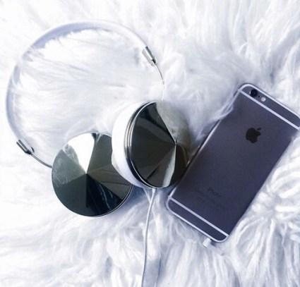 6-apple-black-black-and-white-Favim.com-4098160