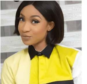 Celebrities ignore Tonto Dikeh as she feeds police officers, soldiers, others