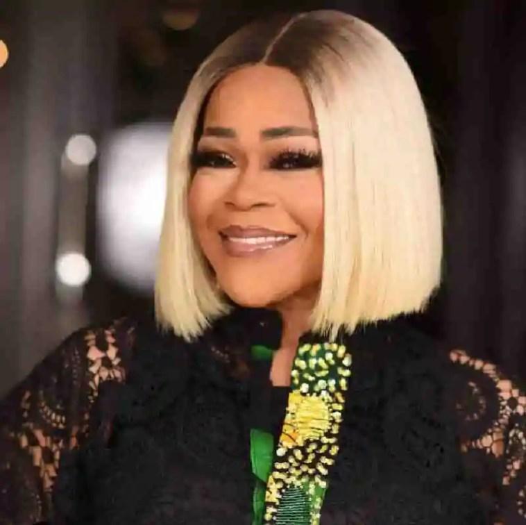 Shaffy Bello Biography: Meet Nigerian Beautiful Singer 1