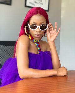 Moment Ugandan Singer Vinka Stomped A Fan Who Tried To Pull Up Her Cloth (Video)