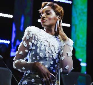 Seyi Shay's Fans Are Pressuring Her To Get Married