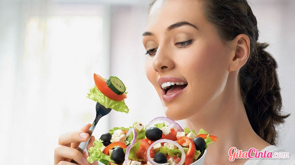 Pola Makan Sehat Diet - (Sumber: gymaholic.co)