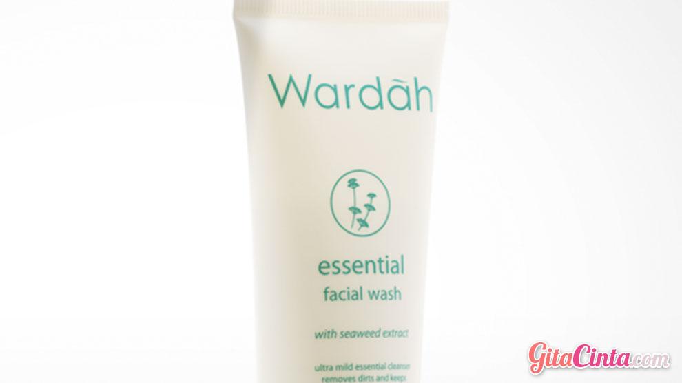 Wardah Essential Facial Wash - (Sumber: gegejournay.blogspot.com)