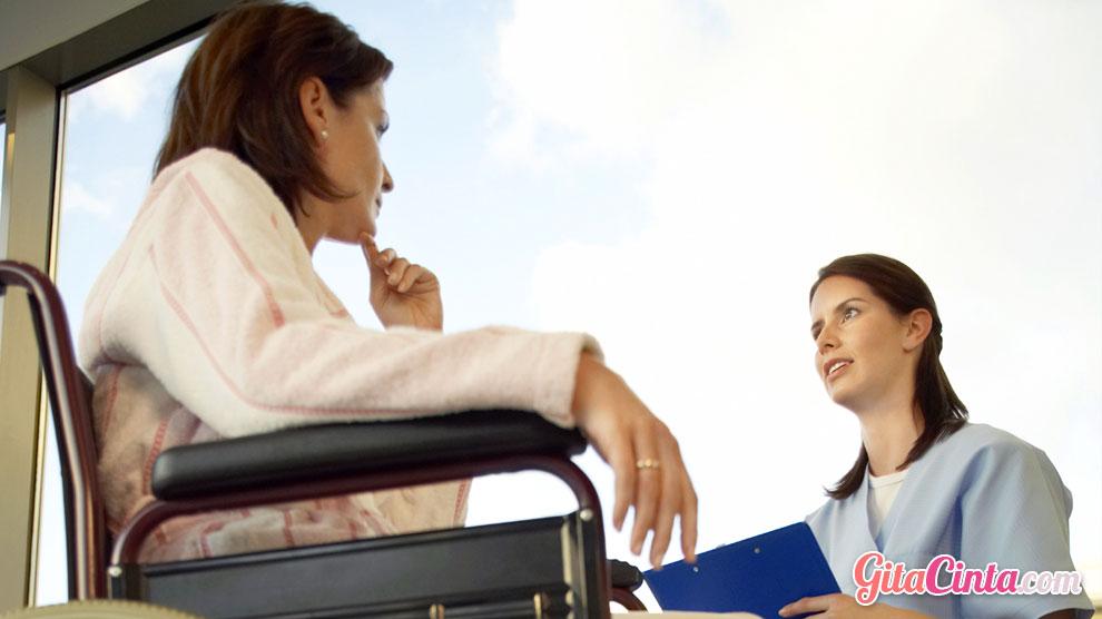 kanker, payudara, mammografi, mammogram, periksa, dokter, usia, wanita, preferensi, tahun, risiko, manfaat, sel, kondisi, pedoman, baru, preventif, cara, tes, tambahan, muda, tua, biopsi, pemeriksaan, tahunan