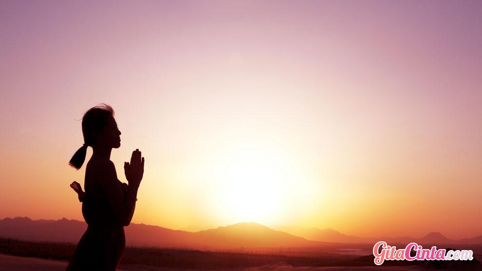 Praktik, mindfulness, teknik, metode, meditasi, istilah, menghindari, mengatasi, cemas, stres, distraksi, emosi, negatif, kepedulian, perhatian, fokus, definisi, penelitian, studi, kesadaran, latihan, sesi, tradisi, pakar, pikiran, perasaan, kualitas, hidup, hubungan, fisik, mental, manfaat, buddhis,